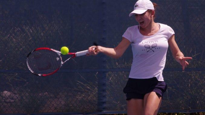 Simona Halep v Elise Mertens live streaming and predictions